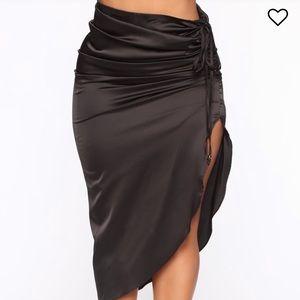 Black midi side slit fashion nova skirt